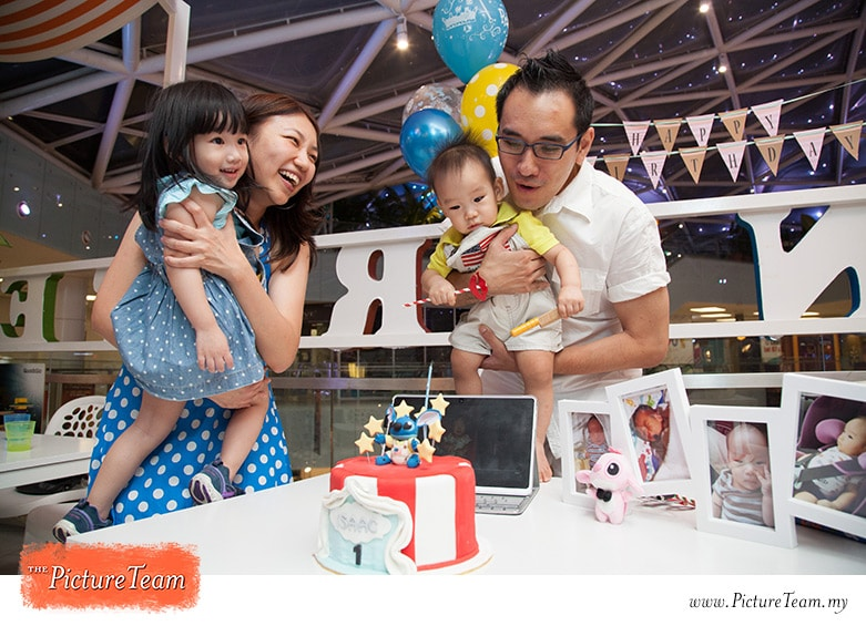 1st-year-birthday-party-photographer-kuala-lumpur-picture-team